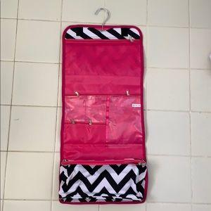 3/$30 NEW 7-Pocket Hanging Travel Organizer